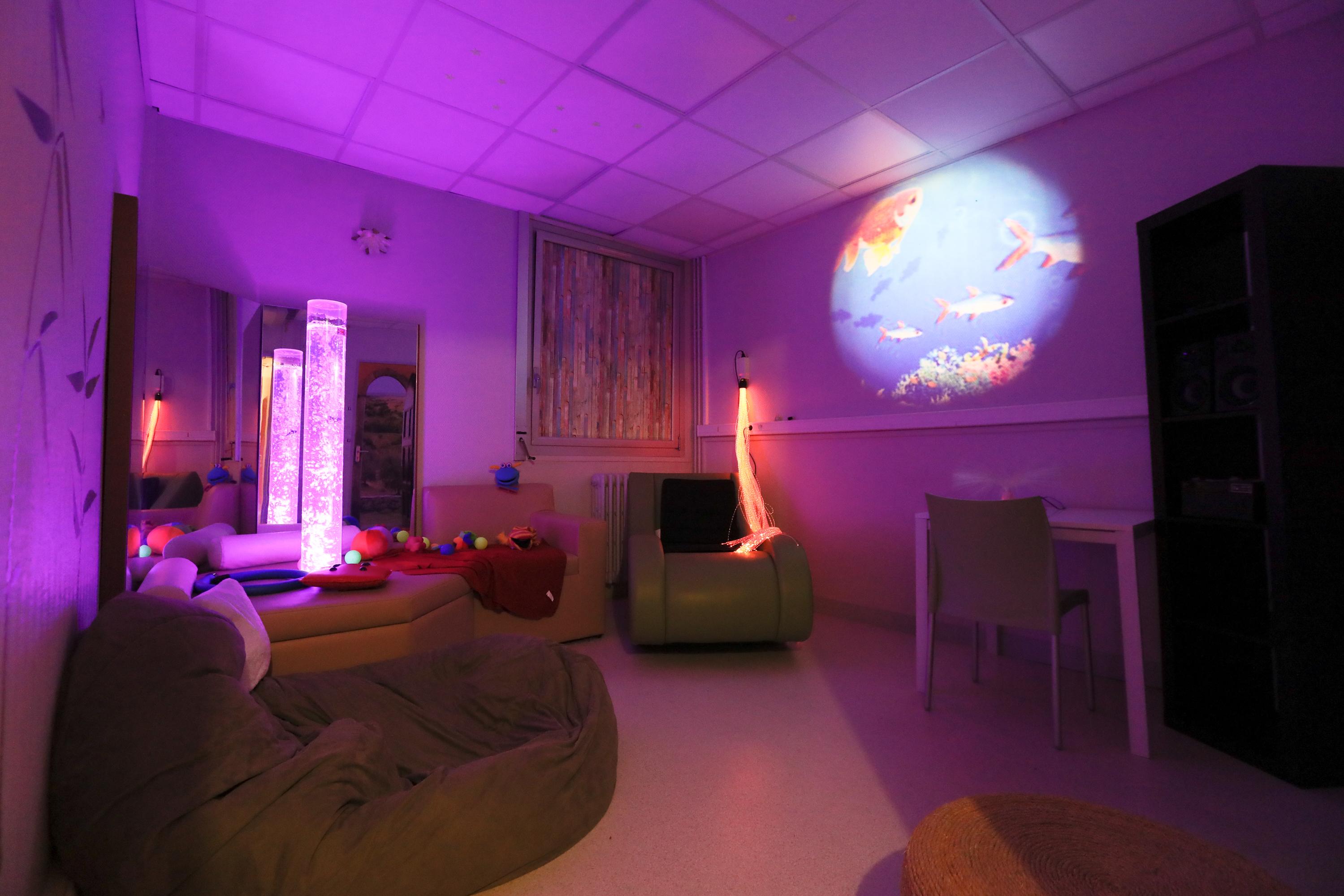 Couleur Rose chambre relaxation Clinique des Cedres